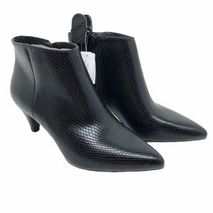 (SH-135) Time and Tru BootS Heel Black Size 8